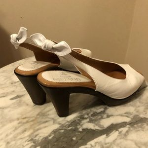 White bow high heels sandals